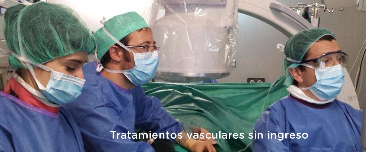 Doctor Gallardo y su equipo operando - Sin ingreso